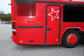 2001_neoplan122l_red_12