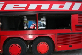 2001_neoplan122l_red_13