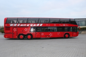 2001_neoplan122l_red_5