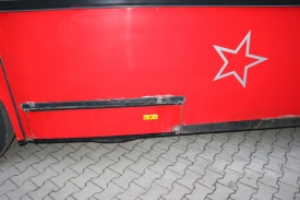 2001_neoplan122l_red_8